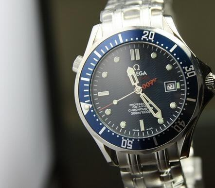 buying guide: replica omega seamaster planet ocean gmt deep black watch replicas