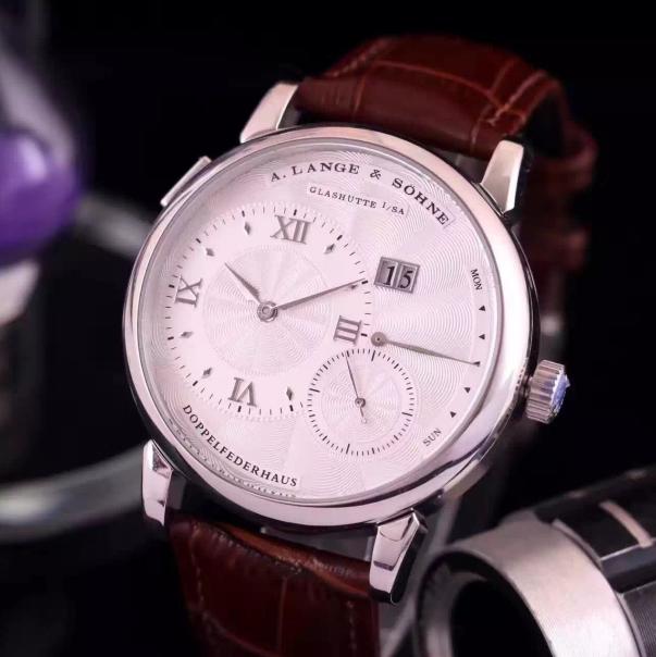 Répliques de montres les plus vendues a.lange & söhne's challenge to the young